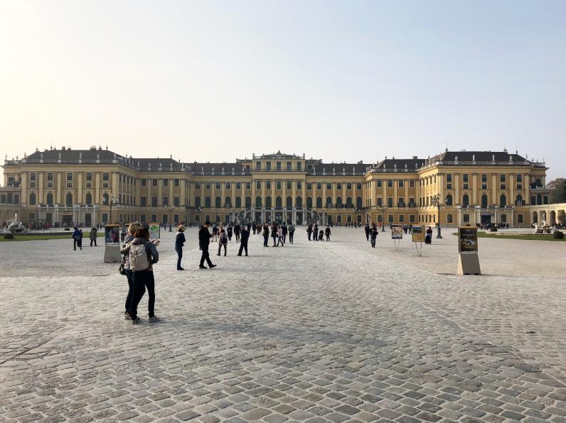 chateau de Schonbrunn à Vienne vue face