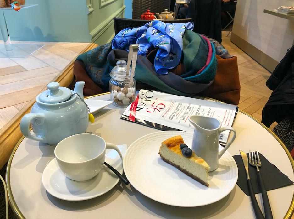 Thé et Cheesecake au Salon sur cour Versailles