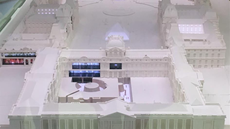 maquette du palais du louvre