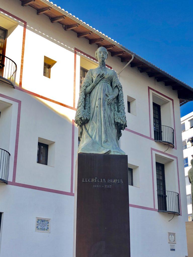 lucrèce borgia statue gandia