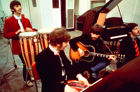 Beatles-studio-musique-Everett-CollectionBridgeman-